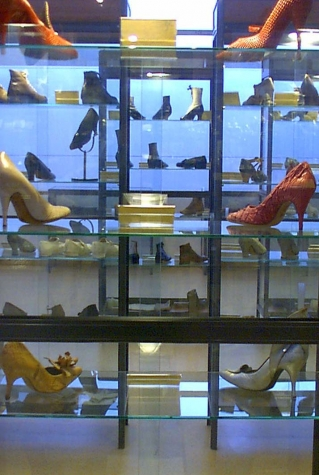 Showcases shoes